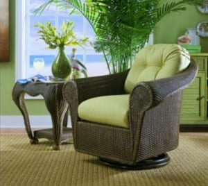 Bravo swivel rocker with endtable